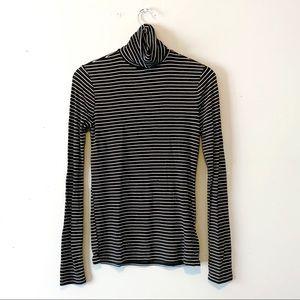 GAP   Turtleneck Striped Long Sleeve Black Small